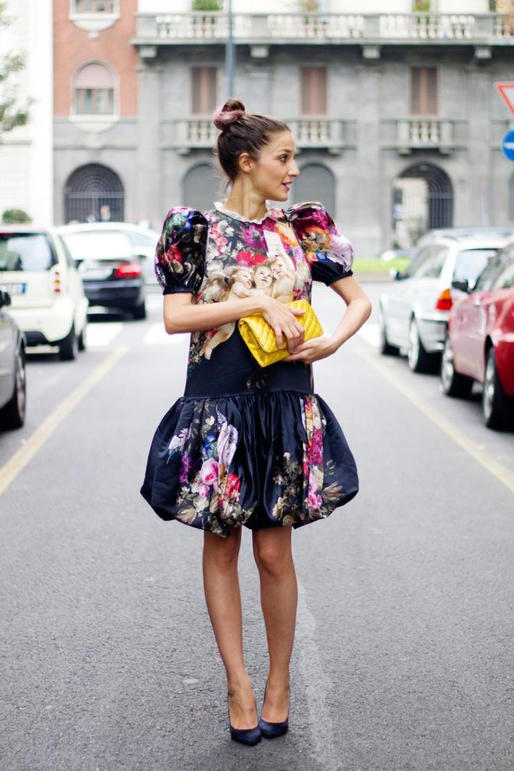 4.-eccentric-dress-with-yellow-bag.jpg