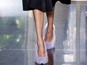 celine-paris-fashion-week-spring-summer-2012-fur-shoe-4