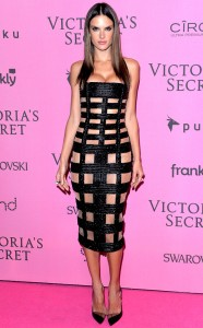rs_634x1024-141203083714-634.Alessandra-Ambrosio-Black-Bandage-Dress.jl.120314