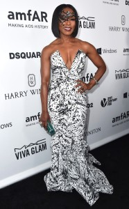 rs_634x1024-151030145058-634.Angela-Bassett-amfAR.ms.103015