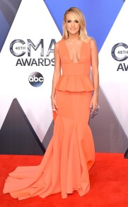 rs_634x1024-151104145337-634.Carrie-Underwood-CMA-Arrivals.jl.110415