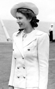 rs_634x1024-141114140830-634.Queen-Elizabeth-Sailor-Suit.jl.111414