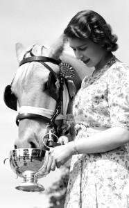 rs_634x1024-141114141256-634.Queen-Elizabeth-Horse-Show.jl.111414