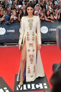 54bc3384a9631_-_hbz-kendall-jenner-2014-muchmusic-video-awards
