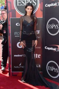 hbz-kendall-red-carpet-gettyimages-482274698