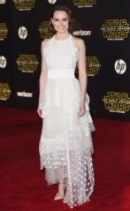 rs_634x1024-151215065323-634.Daisy-Ridley-Star-Wars-Premiere-LA-JR-121515
