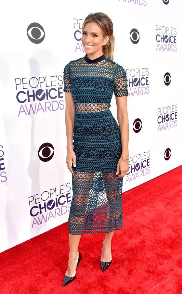 rs_634x1024-160106162631-634.Renee-Bargh-Peoples-Choice-Awards-2016.jl.010616.jpg