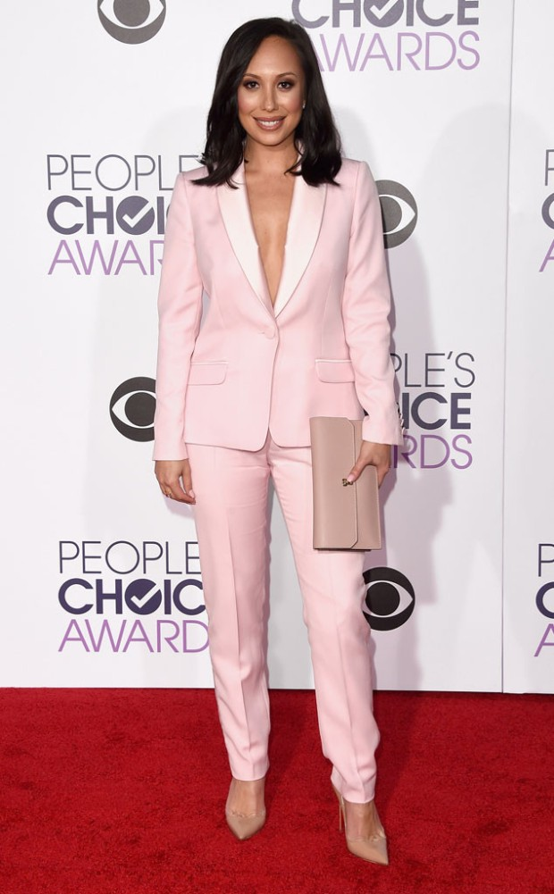 rs_634x1024-160106165750-634-cheryl-burke-peoples-choice-awards.ls.1616.jpg