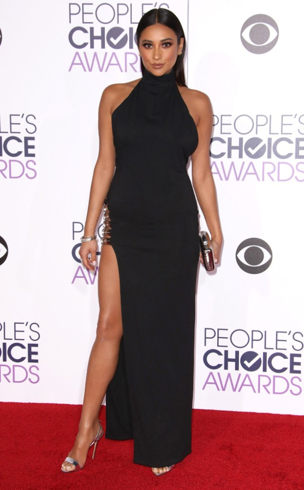 rs_634x1024-160106173447-634-shay-mitchell-peoples-choice-awards.jpg