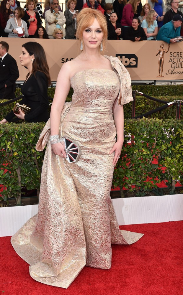 rs_634x1024-160130161526-634-christina-hendricks-sag-awards-red-carpet-arrivals-013016.jpg