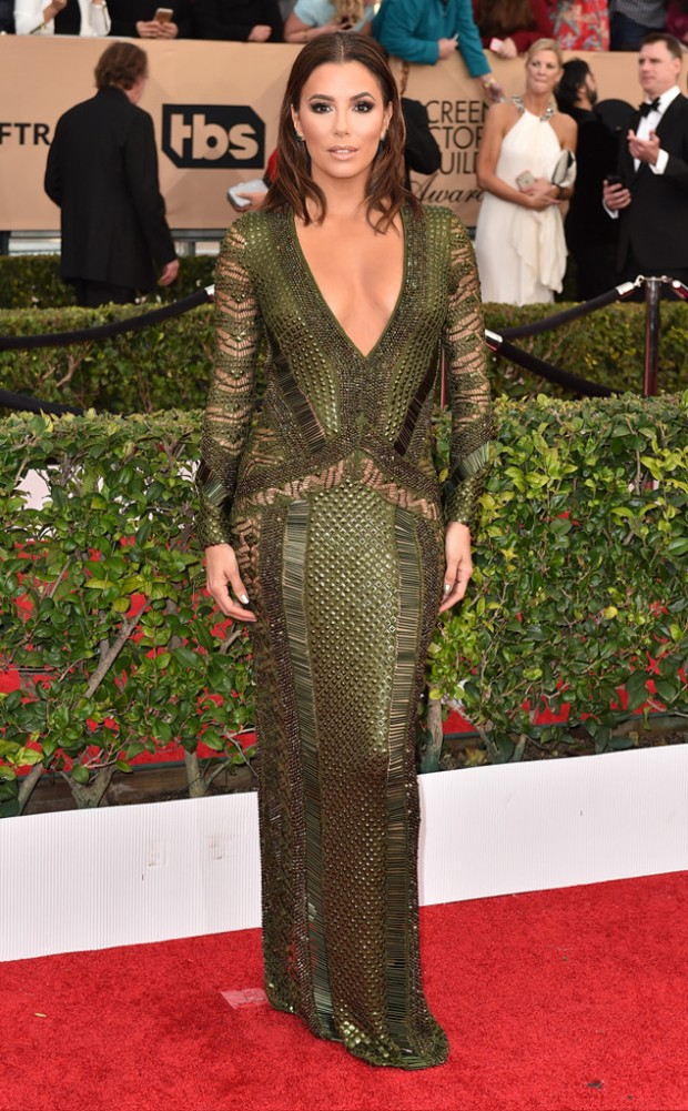 rs_634x1024-160130162900-634-eva-longoria-sag-awards-red-carpet-arrivals-013016.jpg