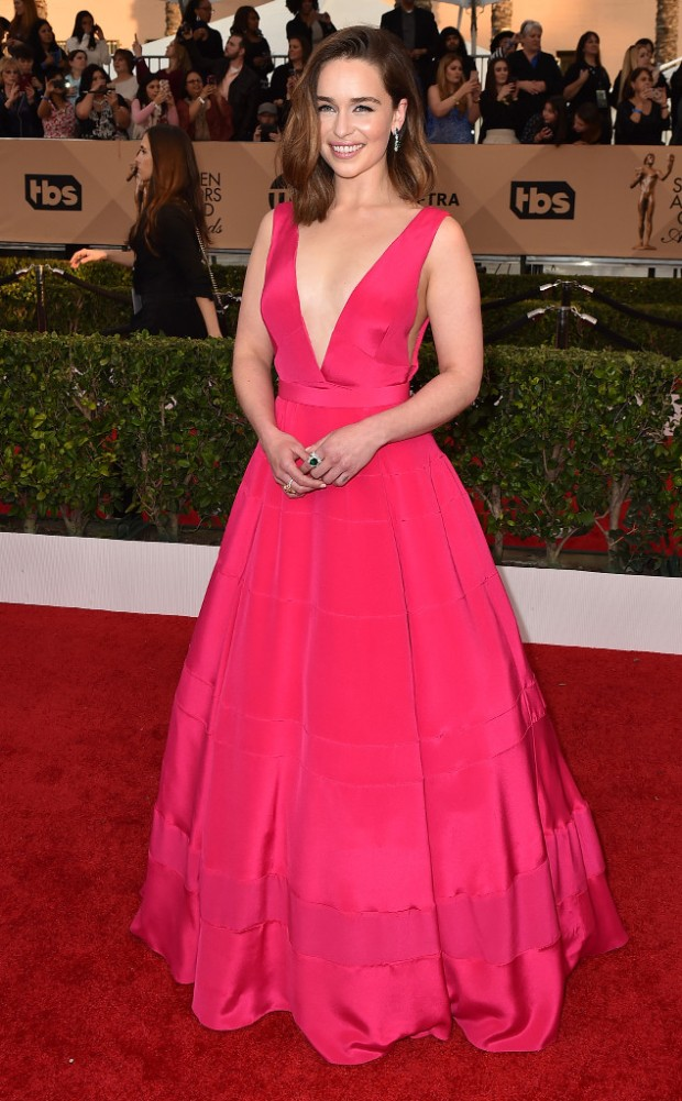 rs_634x1024-160130170341-634-SAG-Awards-2016-emilia-clarke.jpg