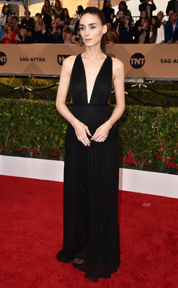 rs_634x1024-160130173818-634.Rooney-Mara-SAG-Awards-2016.jl.jpg