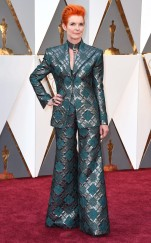 rs_634x1024-160228161358-634.Sandy-Powell-Oscars-2016