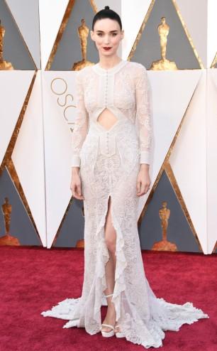 rs_634x1024-160228162529-634.Rooney-Mara-Oscars-2016-Academy-Awards