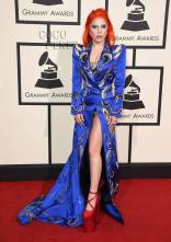 lady-gaga-grammys-red-carpet-2016__oPt