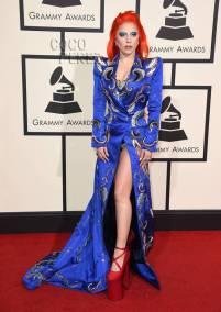 lady-gaga-grammys-red-carpet-2016__oPt
