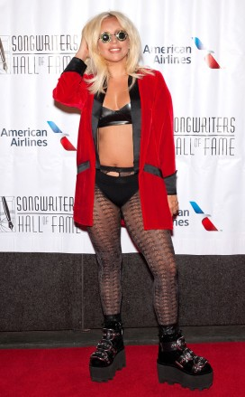 rs_634x1024-150618191425-634.Lady-Gaga-Songwriters-Awards.ms.061815