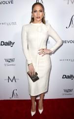 rs_634x1024-160320192824-634.Jennifer-Lopez-Daily-Front-Row-Fashion-LA-Awards.ms.032016