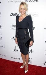 rs_634x1024-160320193909-634.Pamela-Anderson-Daily-Front-Row-Fashion-LA-Awards.ms.032016
