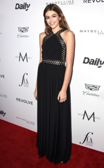 rs_634x1024-160320200413-634.Kaia-Gerber-Daily-Front-Row-Fashion-LA-Awards.ms.032016