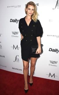 rs_634x1024-160320200958-634.Rosie-Huntington-Whiteley-Daily-Front-Row-Fashion-LA-Awards.ms.032016