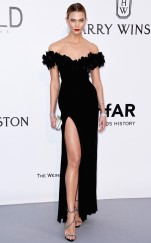 rs_634x1024-160519122111-634-karlie-kloss-amfar-cannes-5816