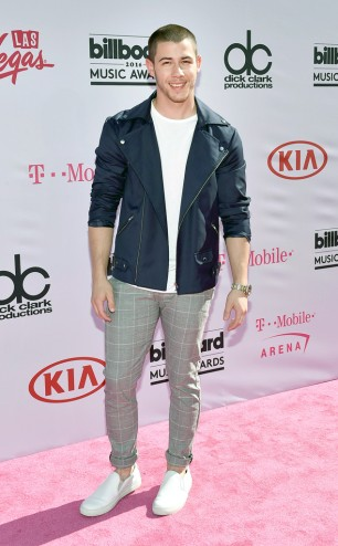 rs_634x1024-160522163842-634.Nick-Jonas-Billboard-Music-Awards.tt.052216