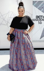 rs_634x1024-160626151050-634.Yvette-Nicole-Brown-BET-2016.tt.062616