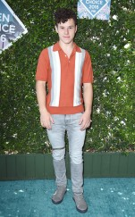 rs_634x1024-160731160210-634.Nolan-Gould-Teen-choice-awards.tt.073116