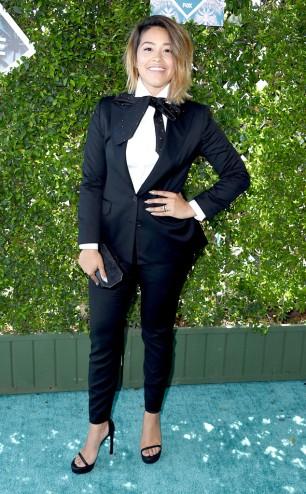 rs_634x1024-160731163554-634.Gina-Rodriguez-Teen-Choice-Awards.tt.073116