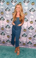 rs_634x1024-160731202427-634.Cat-Deeley-Teen-Choice-Awards.tt.073116.