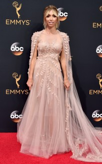 rs_634x1024-160918143709-634-emmy-awards-arrivals-giuliana-rancic