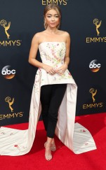 rs_634x1024-160918152809-634-emmy-awards-arrivals-sarah-hyland