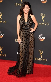 rs_634x1024-160918165819-634-emmy-awards-arrivals-julia-louis-dreyfus