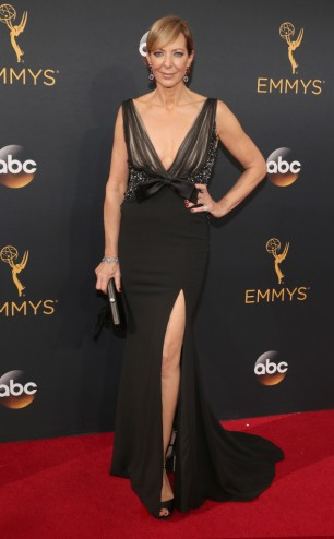 rs_634x1024-160918170247-634-allison-janney-emmy-awards-2016