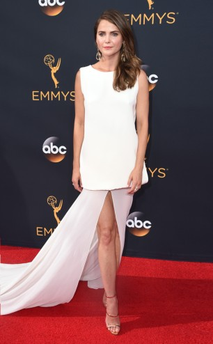rs_634x1024-160918181649-634-keri-russell-cm-91816