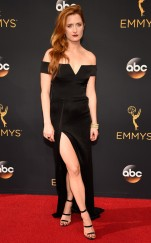 rs_634x1024-160919090851-634-grace-grummer-emmy-awards-ls-91916