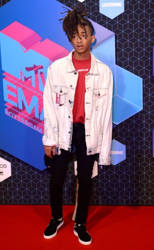 rs_634x1024-161106133951-634-jaden-smith-cm-11616