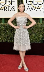 rs_634x1024-170108153508-634-millie-bobbie-brown-golden-globe-awards