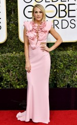rs_634x1024-170108160733-634-2017-golden-globe-awards-carrie-underwood
