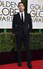 rs_634x1024-170108161436-634-david-schwimmer-golden-globe-awards