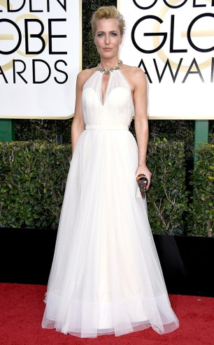 rs_634x1024-170108164039-634-gillian-anderson-golden-globe-awards