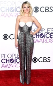 rs_634x1024-170118172955-rs_634x1024-170118170749-634-kristen-bell-peoples-choice-awards-11816
