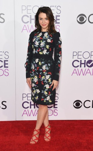rs_634x1024-170118180251-634-caterina-scorsone-peoples-choice-awards-los-angeles-kg-011817
