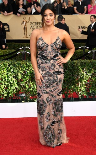 rs_634x1024-170129164623-634-2017-screen-actors-guild-gina-rodriguez