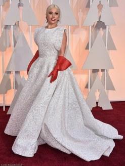 25F7F21600000578-2964465-Lady_Gaga_wears_three_custom_made_Azzedine_Ala_a_pieces_his_firs-a-5_1424674282991