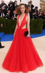 rs_634x1024-170501154114-634-met-gala-2017-arrivals-rose-bryne