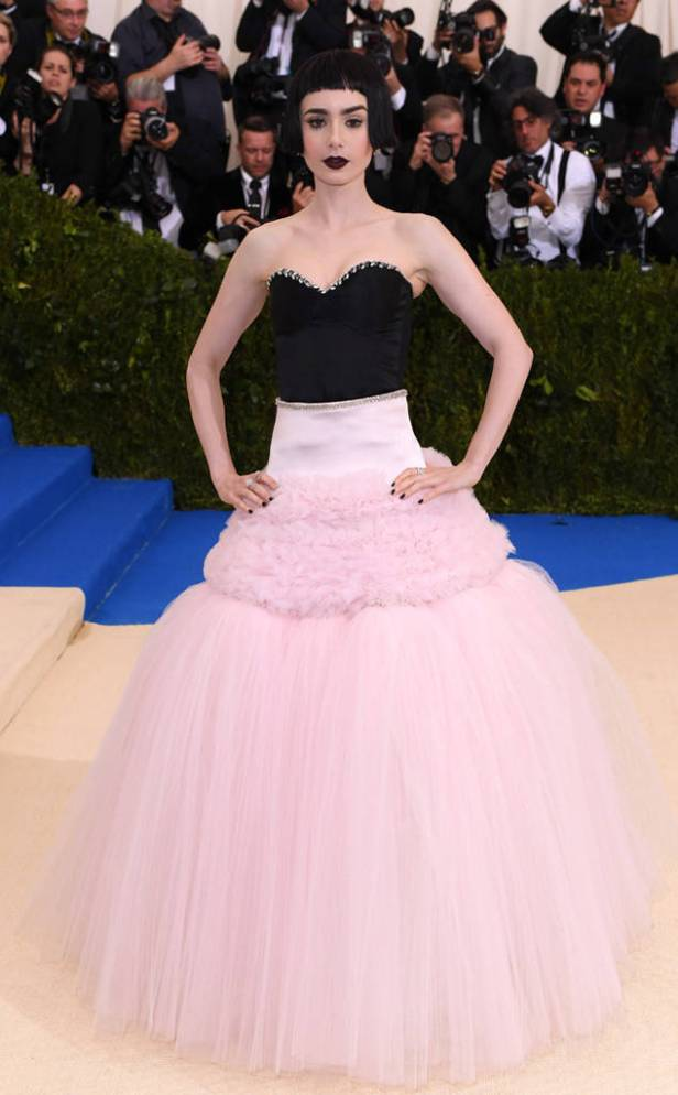 rs_634x1024-170501154915-634-met-gala-2017-arrivals-lily-collins