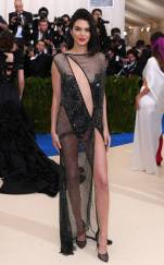 rs_634x1024-170501164621-634-met-gala-2017-arrivals-kendall-jenner